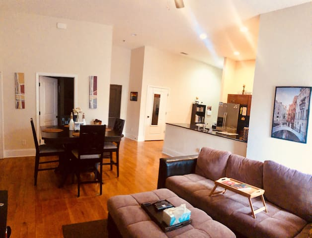 Luxury downtown living/Masters Rental
