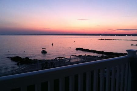 Oceanfront Waterfront BeachHouse CT - Old Saybrook