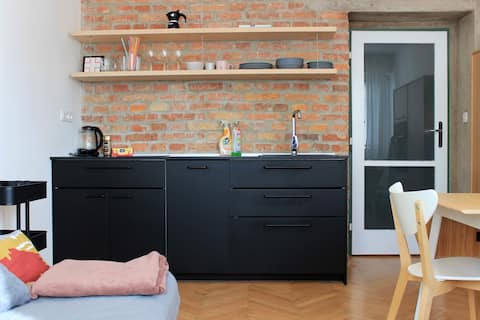 Cosy quiet flat 3 min.walk from historical center