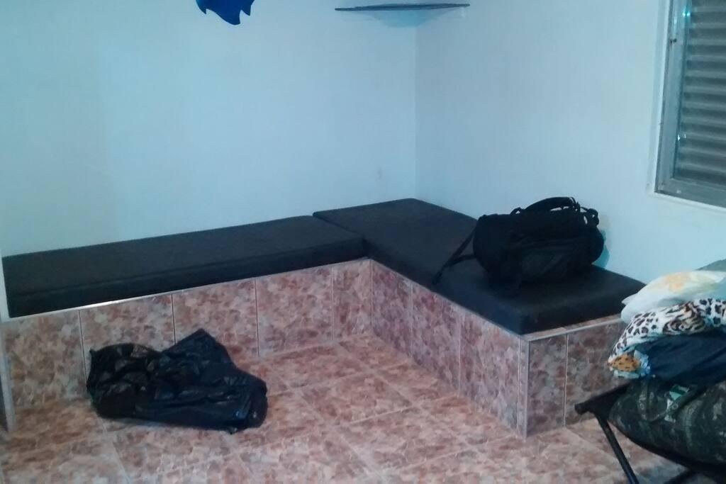 Lado esquerdo do kitnet 2 sofa cama