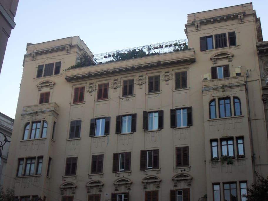 Prospetto palazzo da via Roma