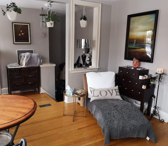 Bright 2 BDRM Apartment in Old North