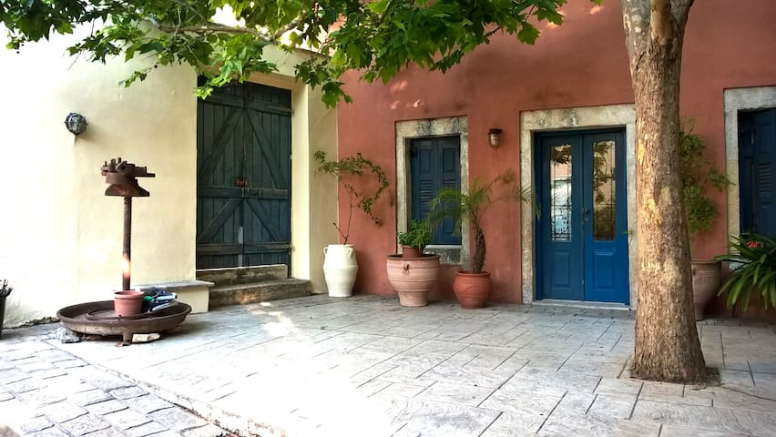 Renovated stone house in Archanes - Archanes