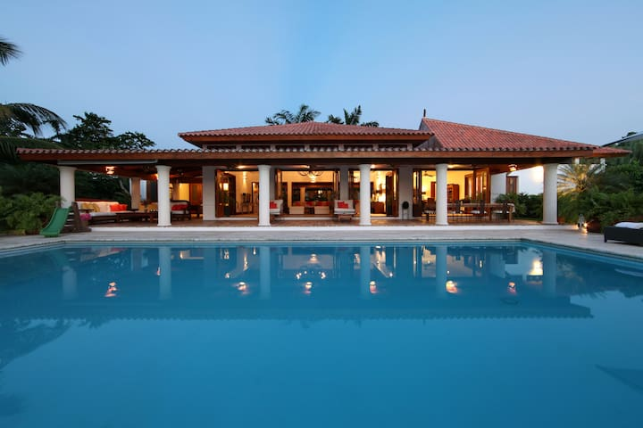 Ingenio - 5 Bedrooms, 2 Golf Carts, Cook & Maid - La Romana - Villa