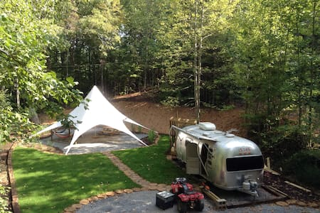 Secluded Vintage Airstream With Unique Tree loft - Ellijay - Andet