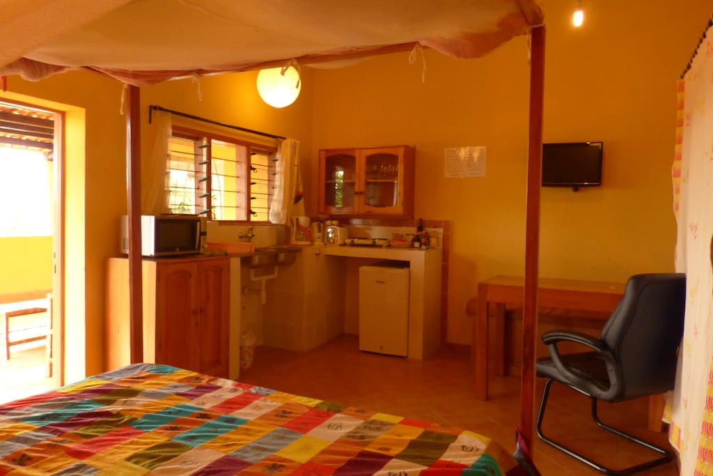 Elegant studio in a nice garden with hotel service for Aparthotel jardin tropical bujumbura
