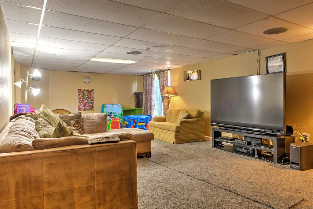 The kids in your group will love the amazing home theater system and playroom.