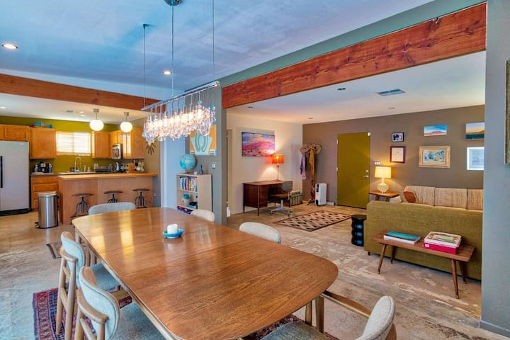 Rancho Deluxe | Retro Retreat on 5 Acres + Hot Tub