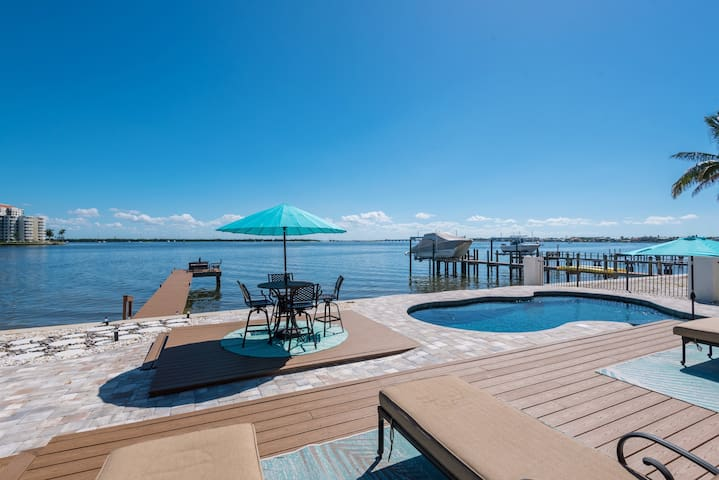 BLISS ON THE WATER POOL&DOCK 2 KNG BDRM SEP ENTRY