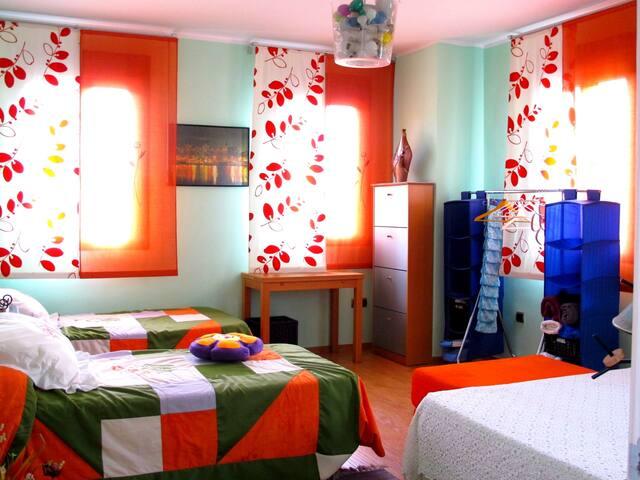 Esta habitación es ideal para una pareja con dos hijos...o para cuatro amigos