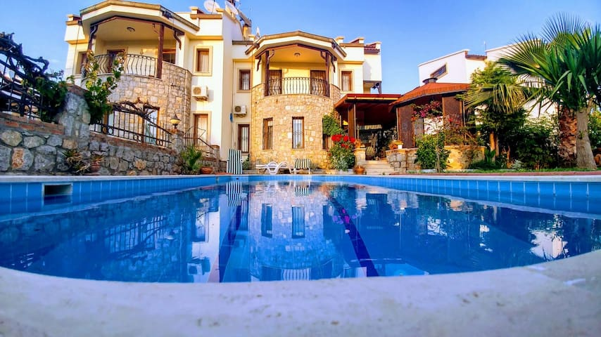 Playa - Solo Villa, private villa at Çalış beach
