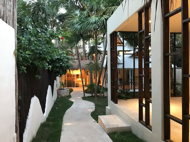 LUNA MAYA HOUSE - JUNGLE HOME ACROSS CARIBBEAN SEA - Tulum - House