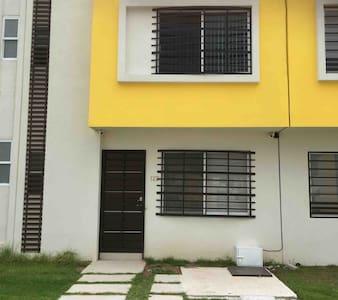 Casa totalmente nueva en fraccionamiento privado
