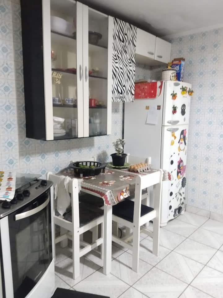 Casa confortável em Santos SP-vila Mathias.