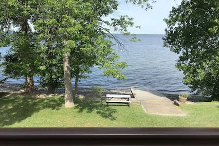 Lake Champlain Waterfront Home - Pets Welcome!