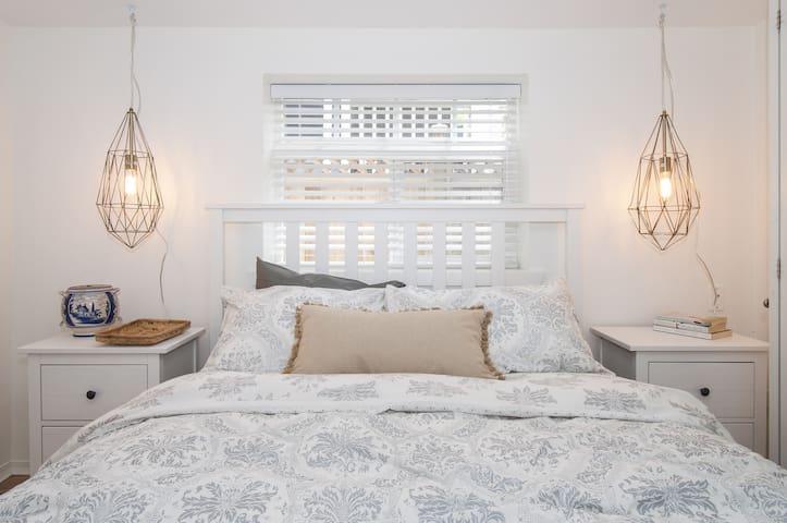 Sunny Garden Suite in Mount Pleasant