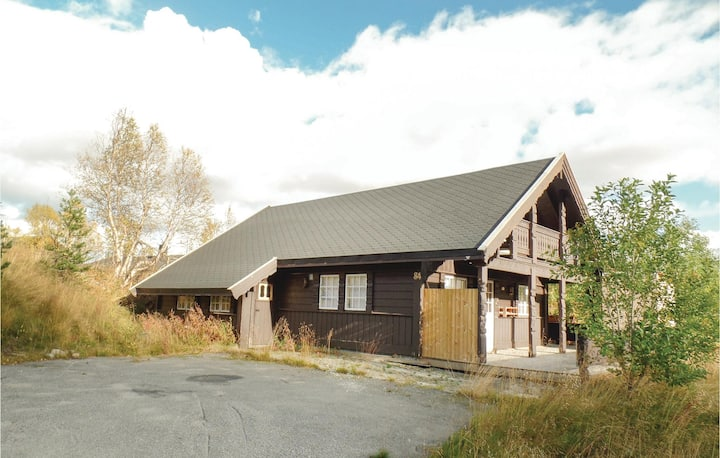Amazing home in Hovden with Sauna and 4 Bedrooms