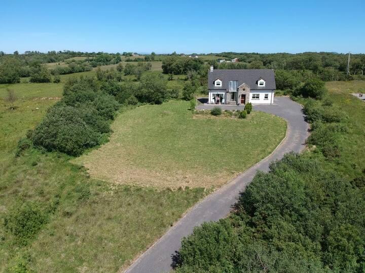 Lovely Lough Melvin Home (Donegal / Leitrim)