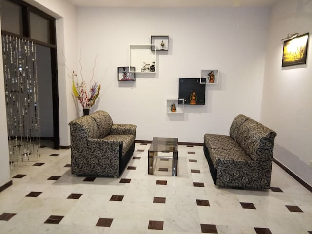 Comfy+Safe Homestay—Near Taj Mahal, 7 Min Drive