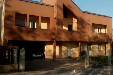 Bolek Mansion