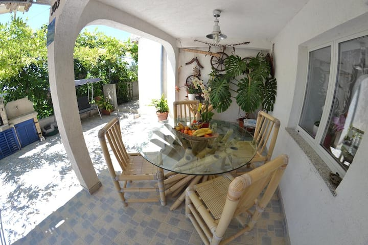 One bedroom apartment with terrace Lopar, Rab (A-14070-a)