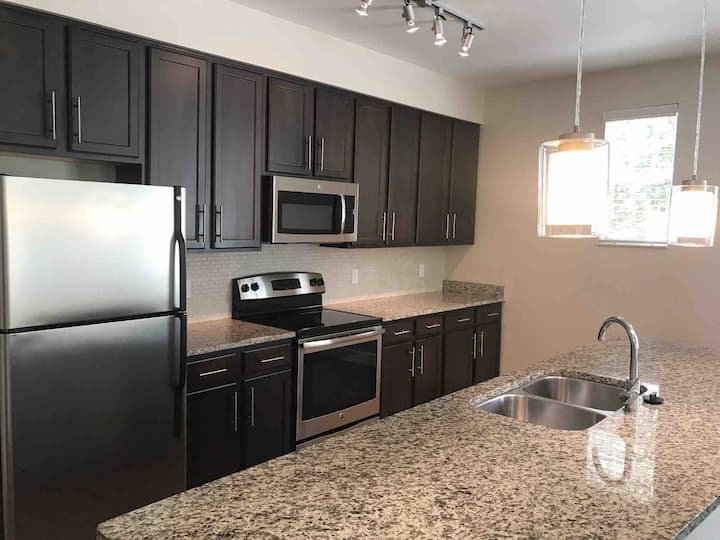 Stylish Dbl Suite Nr Downtown, MCO, Disney, Amway