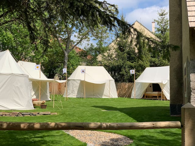 Shield tent - Medieval Glamou Camp
