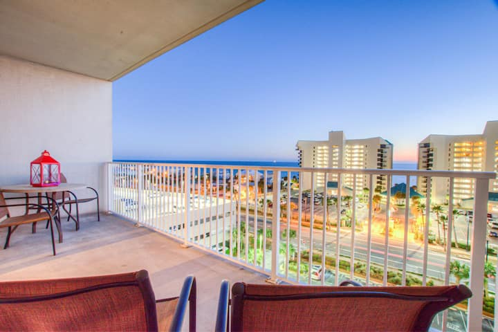 Amazing Style In Laketown Wharf! 1 BD, 2 BA   Amenities and Location!