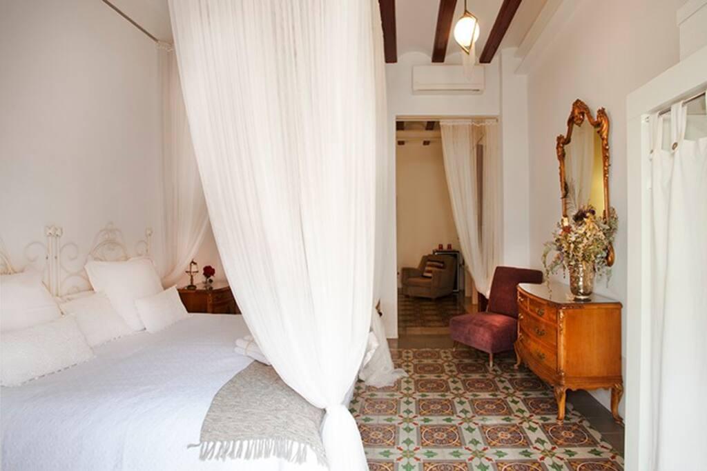 Modernist suite