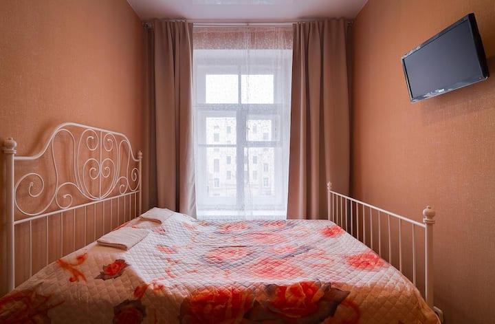 Уютная  комната для семьи из 2-3х человек с кухней