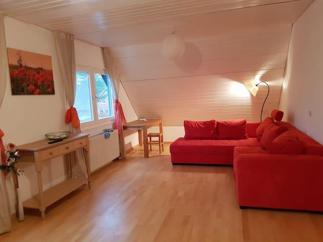 Helle Wohnung in idyllischem Heidedorf bei Hamburg