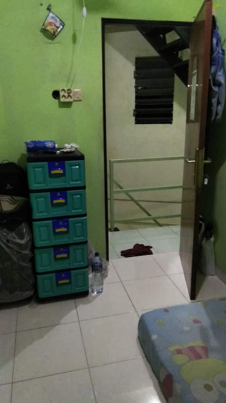 Kos kosan edwin, worthit, low cost, simple.