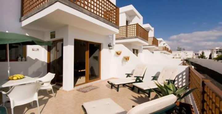 Modern Duplex House Close to the Beach with Shared Pool, Sea View, Wi-Fi, Balcony & Terrace; Parking Available