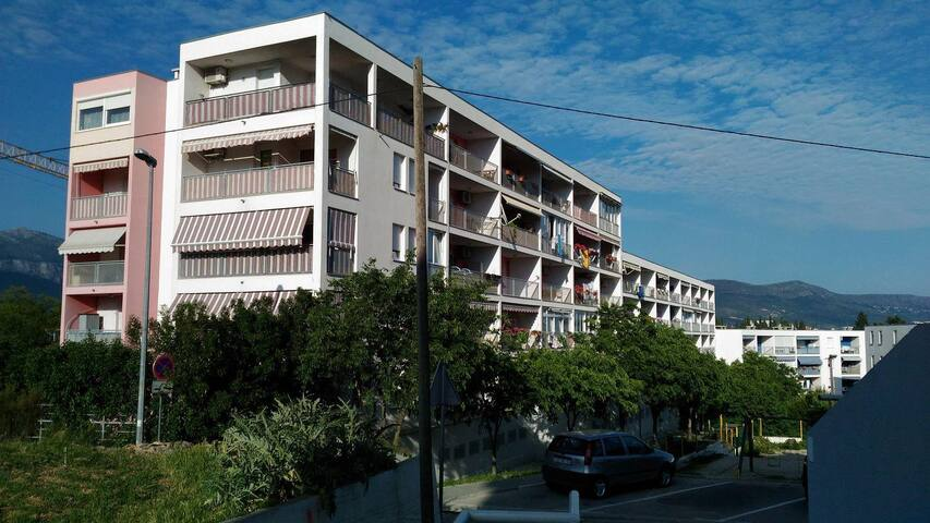 One bedroom apartment with terrace and sea view Split (A-11638-a) - Split - Departamento