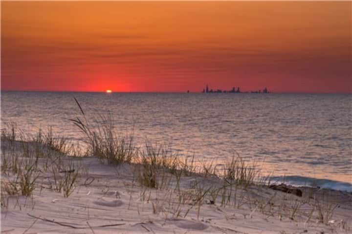 Lovely 2 bedroom Indiana Dunes Beach Rental (BB)