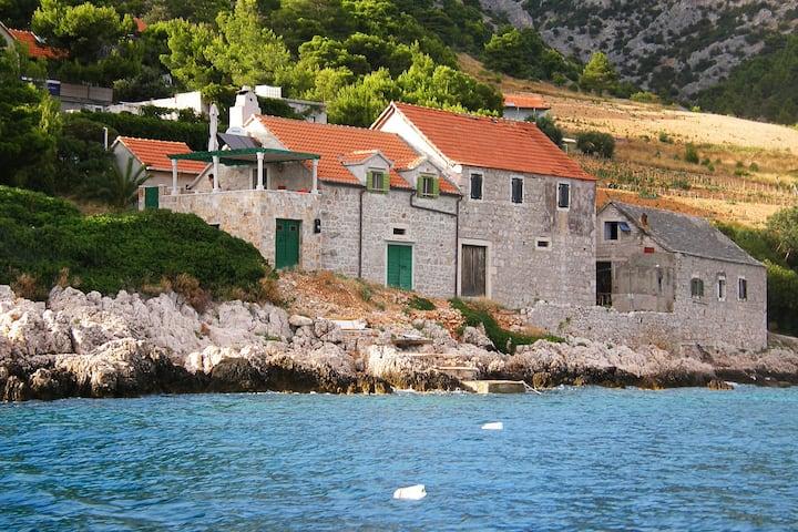 Charming Stone Seaside Apartment - Brac (4+2)
