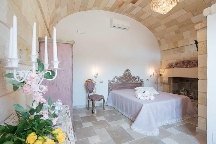Castello Salentino / Camera Rosa Antico Matrimon