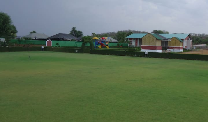 Kherwadi Farm (A Luxury Resort)