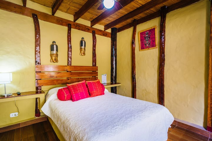 Private superior double Room *6, Kimbas Bungalows