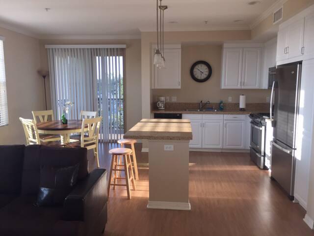 Luxury Apartment By Irvine Spectrum Center Apartments For Rent In Irvine California United