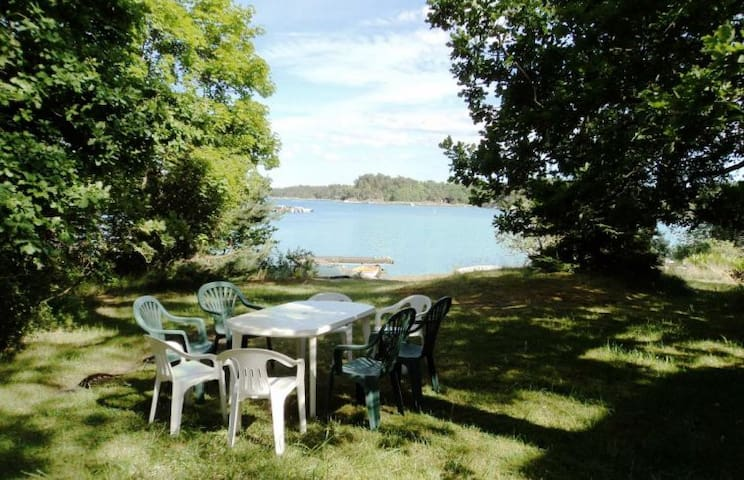 Guesthouse by the sea - Saltsjöbaden - Pensió