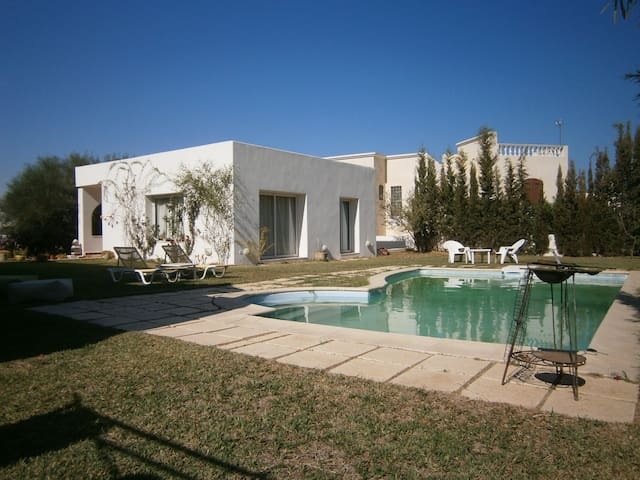 Villa + Studio +  jardin + piscine - Ez Zahra