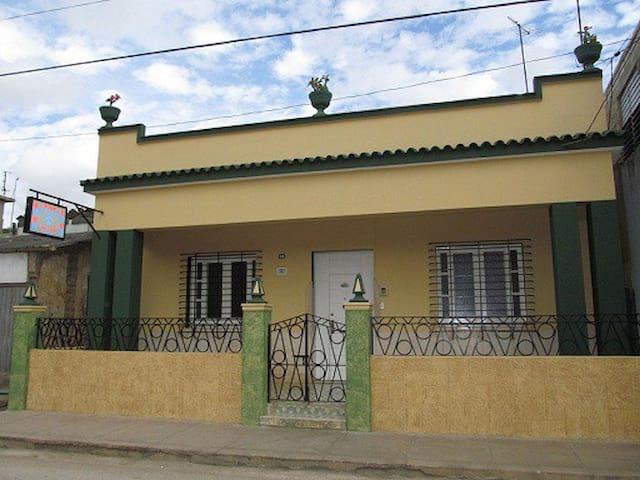 Hostal Villa El Caney * Internet Wifi *