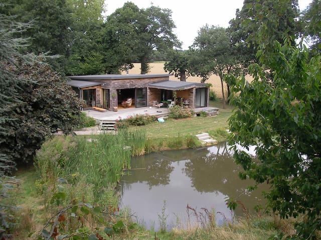 maison atypique, charme et tranquilité - Matignon