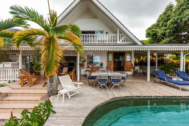 Ti La Kaz - Luxury Ground Floor Apt - Pool & views