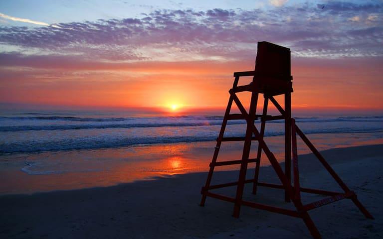 ISLAND BEACHES & FLIP FLOPS - Jacksonville - House