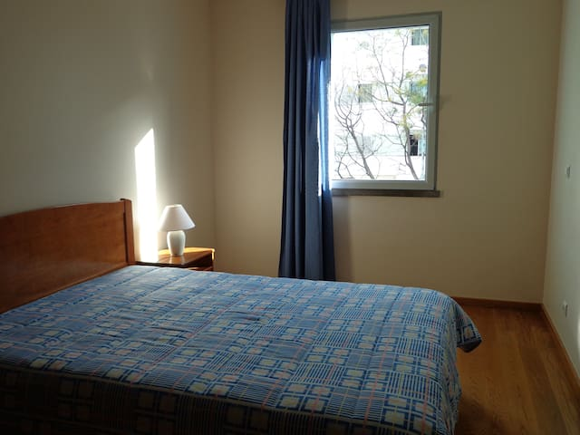 Private room near all kind of services - Funchal - Flat