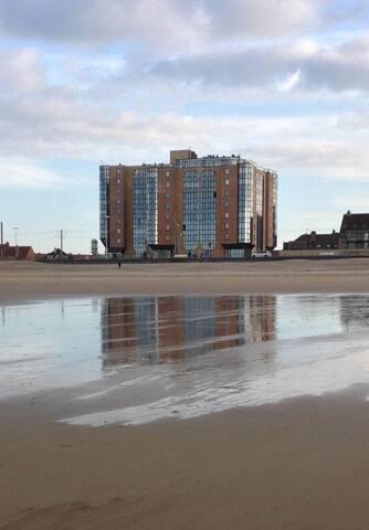 Gezellig Gerenoveerd Appartement met zicht op zee - Oostende - Apartment