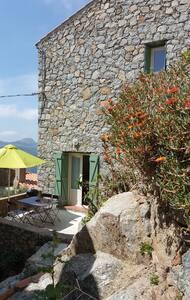 Maison dans un des plus beaux villages de corse - Sant'Antonino - Haus