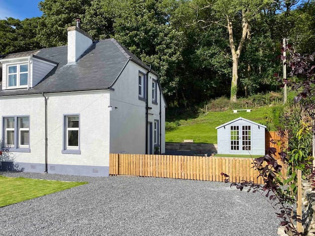 2 Calgow Cottages - Gateway to the Galloway Hills
